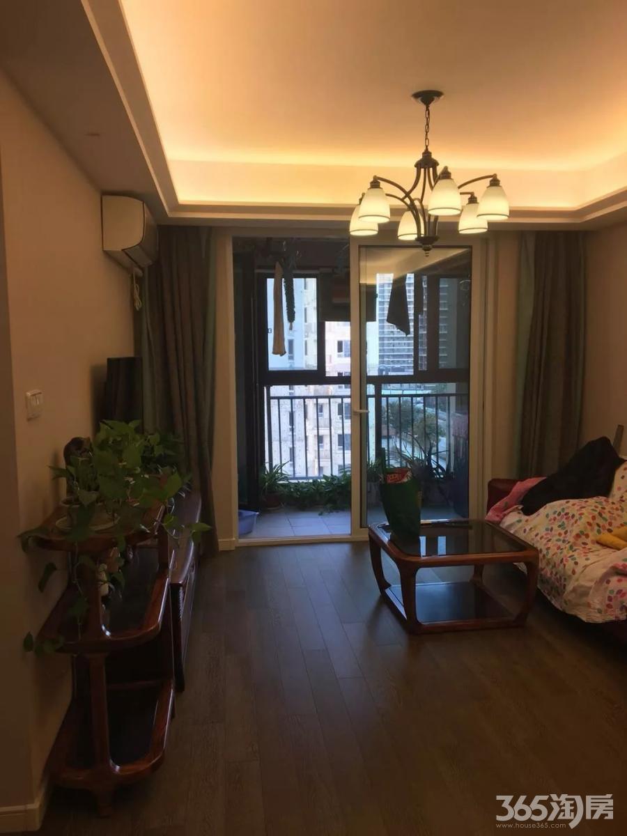 万科尚都荟3室2厅1卫87平米精装产权房2016年建