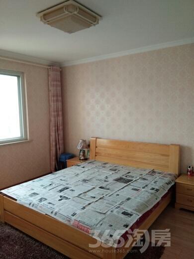 东部星城3室2厅1卫120平米整租精装