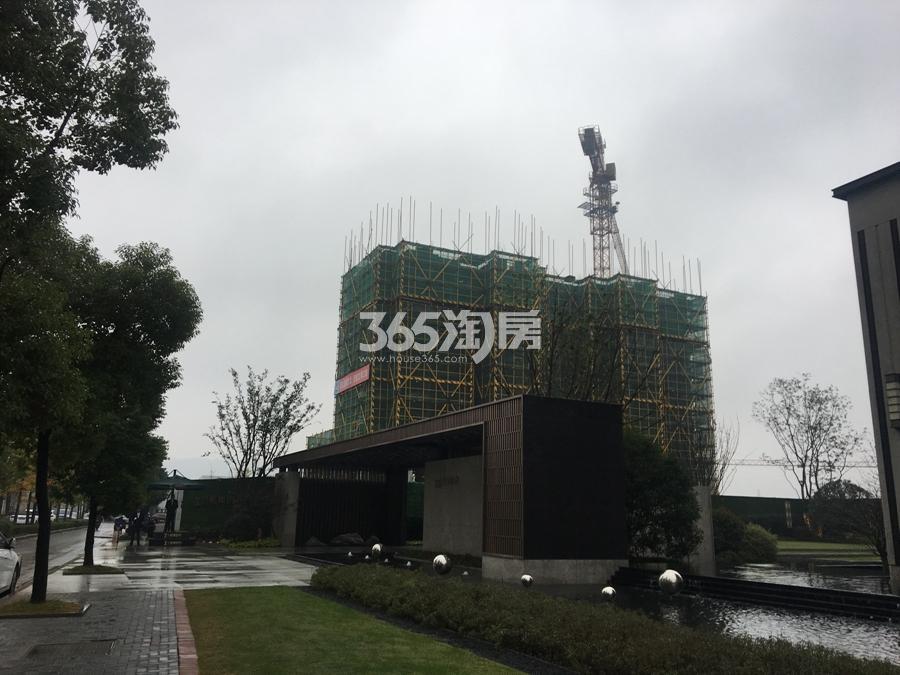 中南君奥时代售楼处大门实景图 2017年11月摄