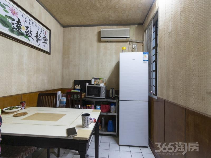 张府园小区3室1厅1卫68.5平方米238万元