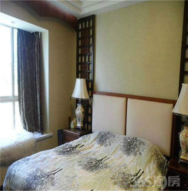 仙林国际花园2室2厅1卫89�O2015年满两年产权房精装