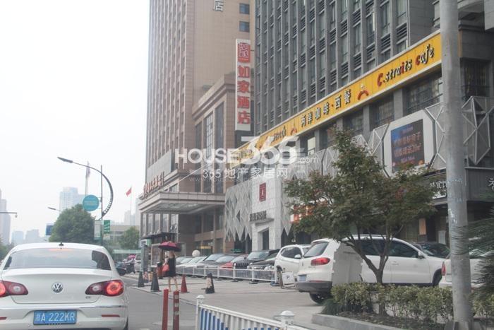 理想银泰城项目售楼处实景图(2015.8)