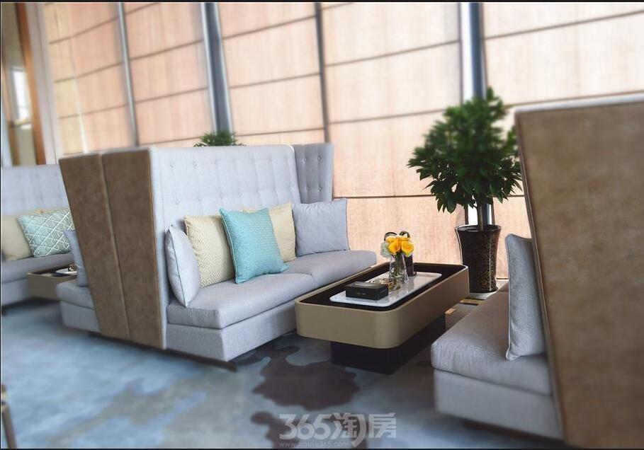 滨湖双玺售楼部休憩区实景图(2018.1.1)