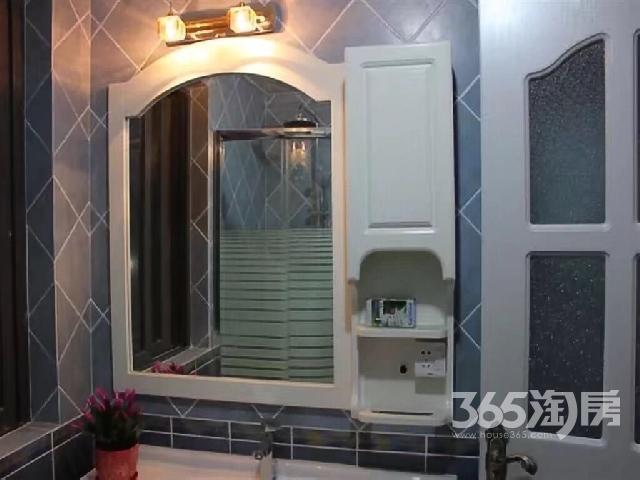 飞龙新苑2室2厅1卫95�O整租豪华装