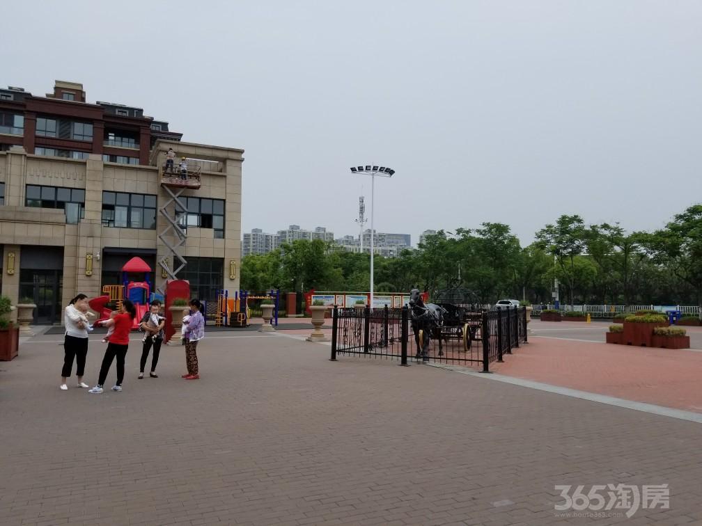 中央城学府壹号184平米整租毛坯