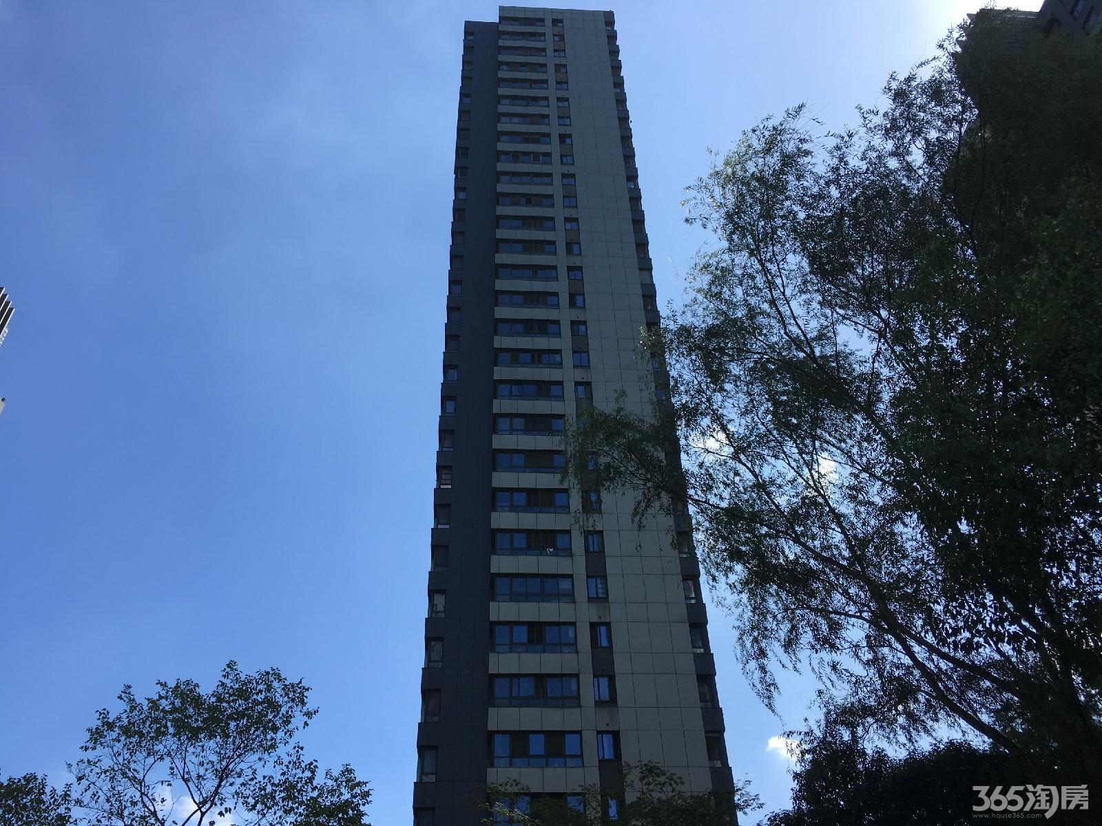 仁恒江湾城二期14平方米50万元