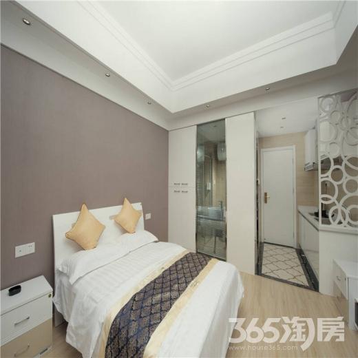 金牛湖半岛1室2厅1卫50㎡整租豪华装