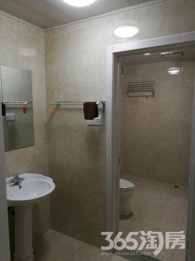 万裕龙庭水岸4室1厅1卫134平米合租精装