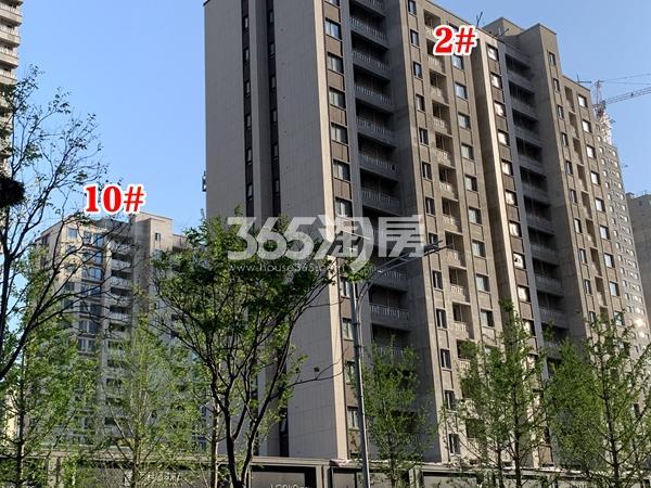 万科翡翠东方2#、10#楼工程实景(2020.4.28摄)