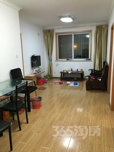 双龙嘉园3室1厅1卫30平米合租豪华装