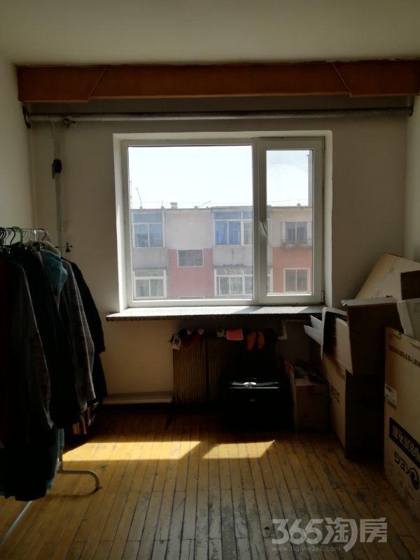 万莲小区2室1厅1卫63平米1992年产权房简装
