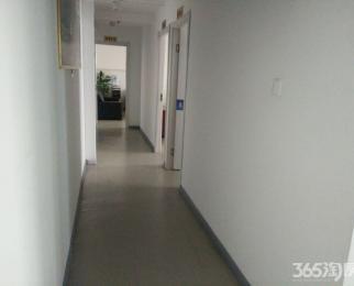 大行宫地铁口 正对电梯口 精装修挑高可注册 拎包办公 随时看