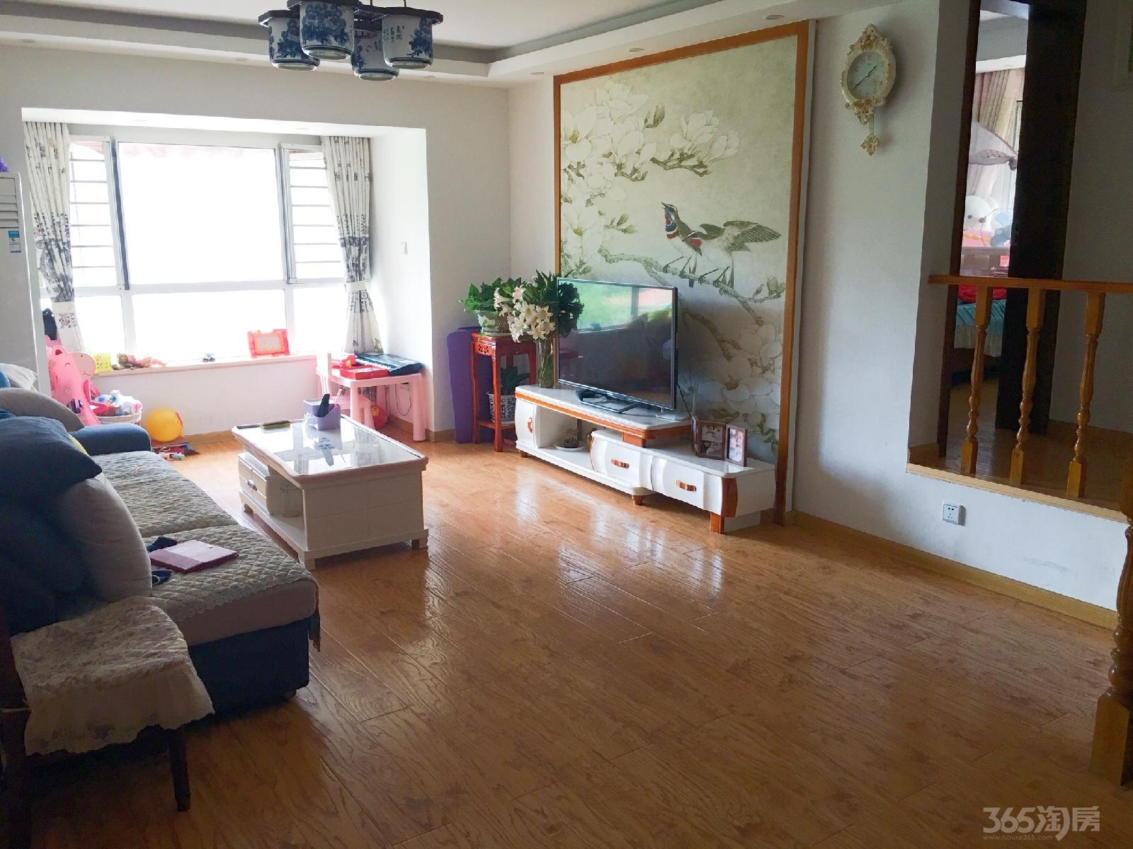 长河郡苑3室2厅1卫105平米豪华装产权房2015年建