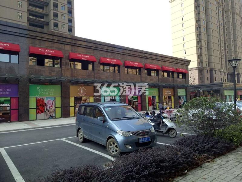 金科半岛壹号沿街商铺实景图(10.20)
