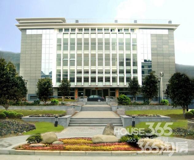 南京市众悦产业园200㎡可注册公司合租简装