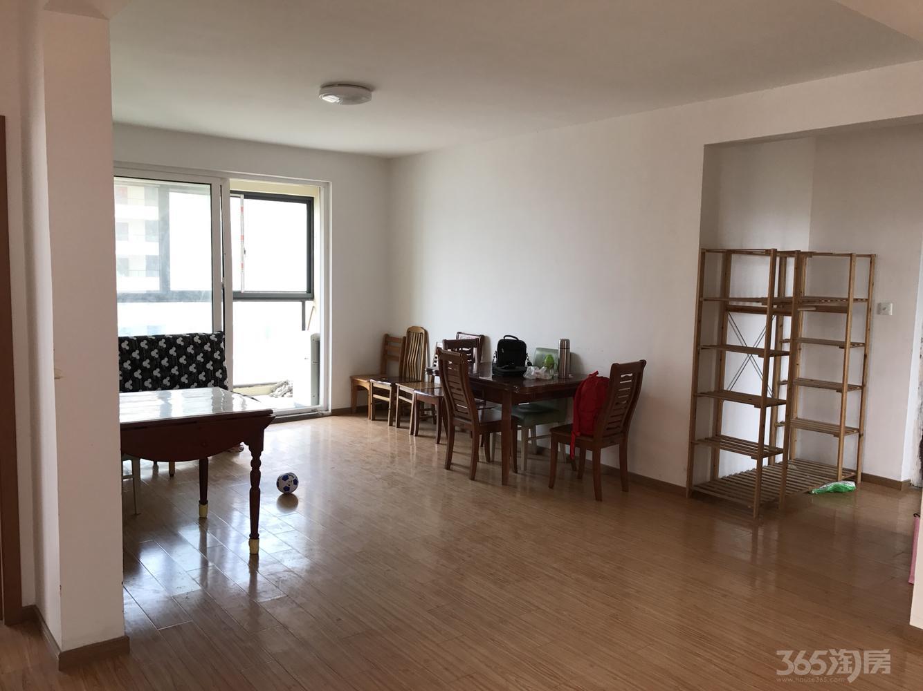 仙林悦城3室2厅1卫118平米整租简装