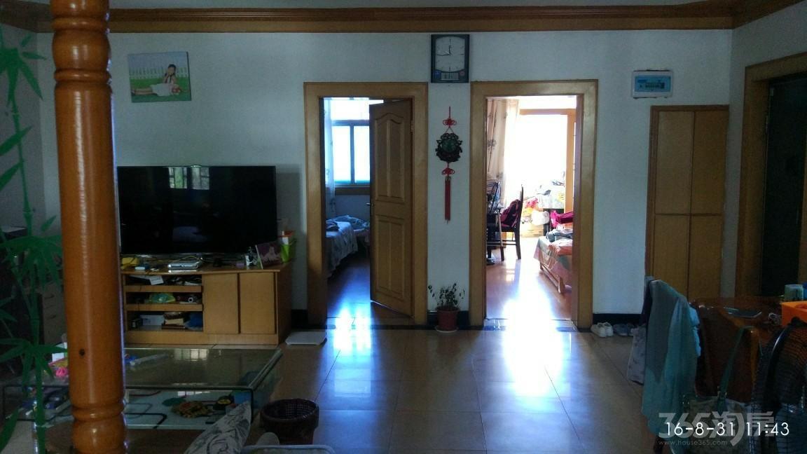 莱茵达路29号大2室大客厅1卫104.8平米精装