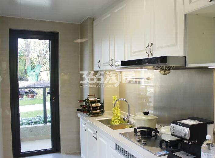 恒大观澜府119平高层D户型样板间厨房