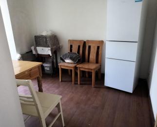 38所宿舍两居室朝南,居住舒适 看房方便 业主诚心出售 价格可谈