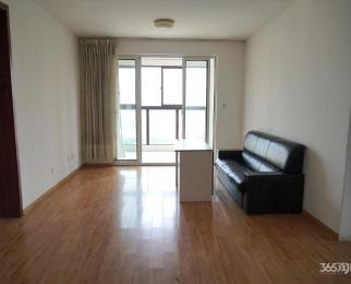 万裕龙庭水岸4室2厅2卫335万元136平方