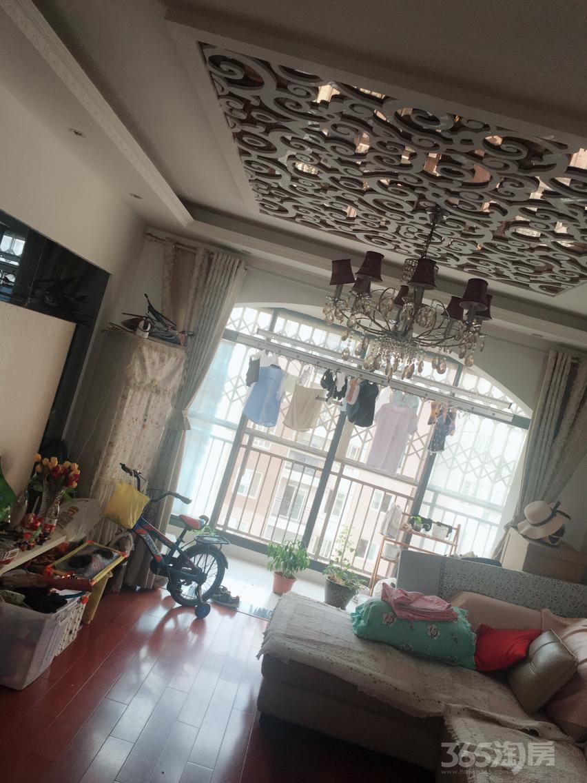 弋江嘉园3室2厅1卫109平米精装产权房2010年建满五年