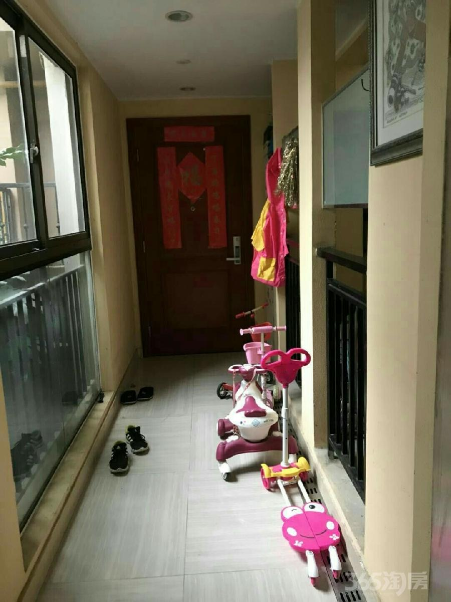万科金域蓝湾3室2厅2卫128.5平米2013年产权房精装