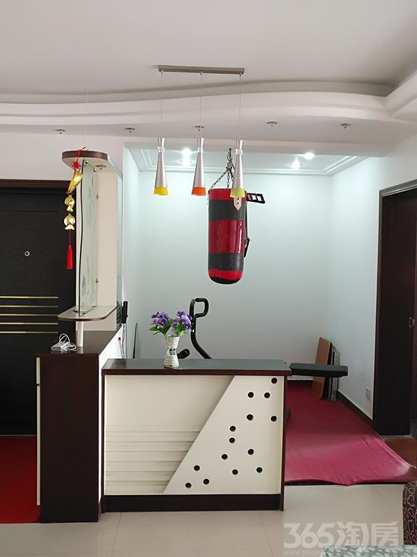鑫祥园4室2厅2卫147.2�O2008年满两年产权房精装