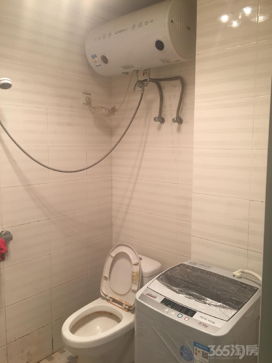 中央城1室1厅1卫40平米整租简装
