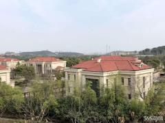 太湖锦园 湖景房 精装修3房未住过 房东出国 急售 139平280万