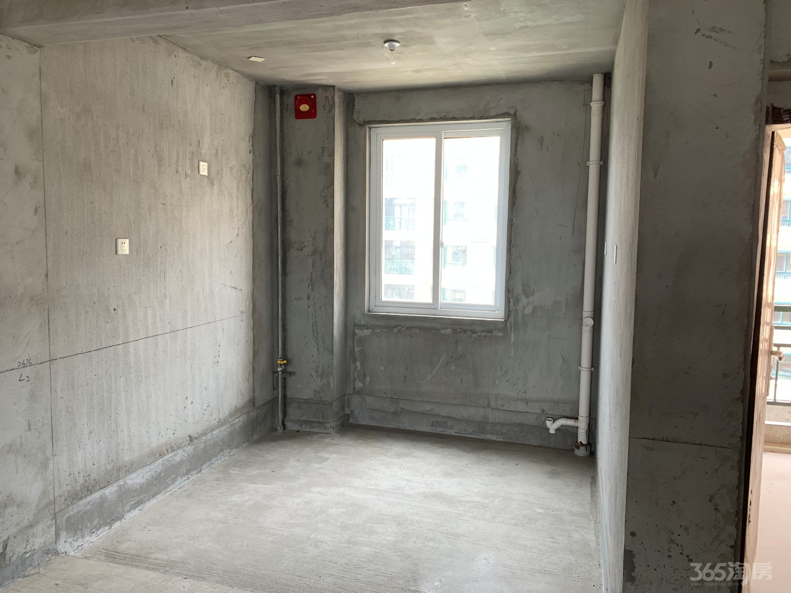 双湖星城3室1厅2卫80万元123平方