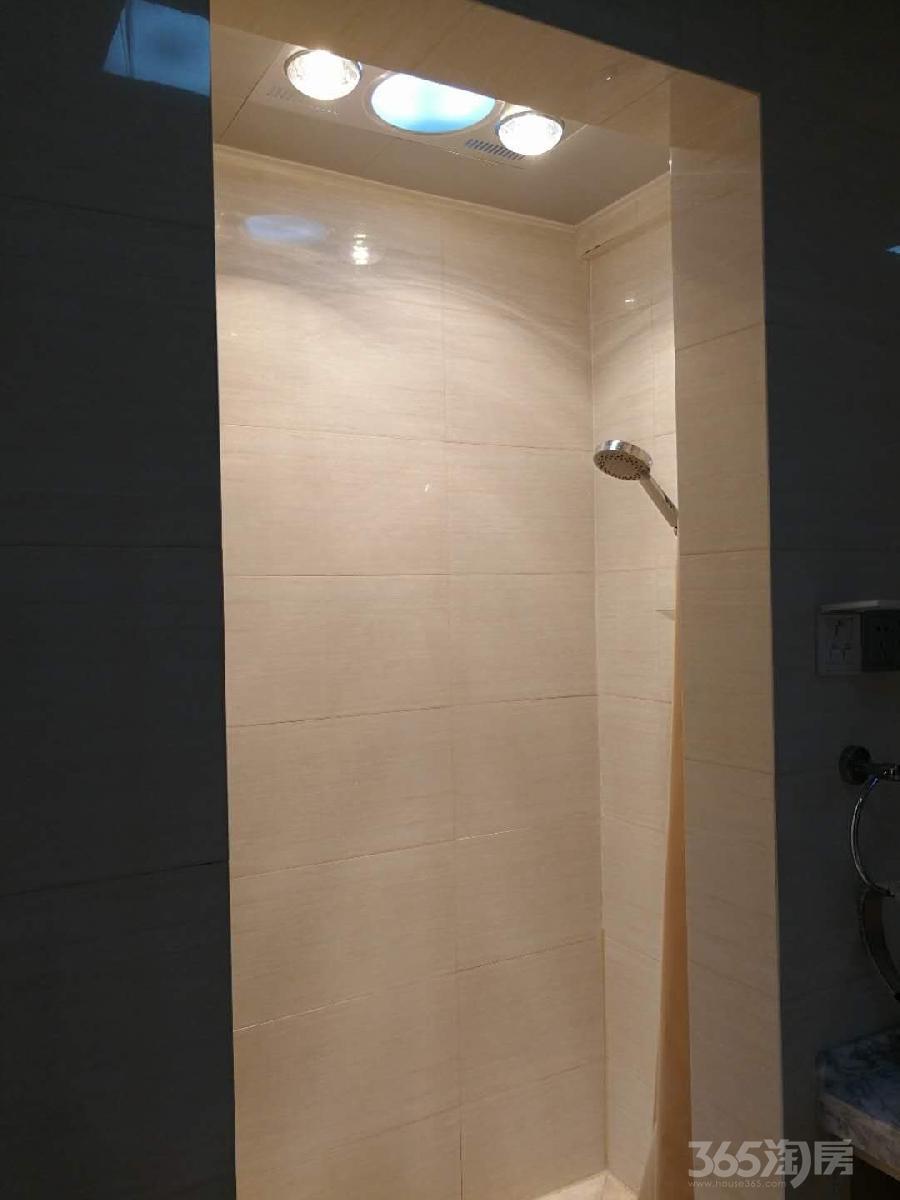 白金湾1室1厅1卫56平米整租豪华装