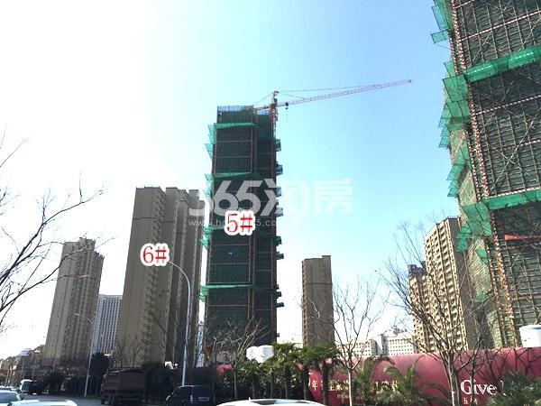 九龙仓碧玺高层5#、6#楼实景图(2018.3 摄)