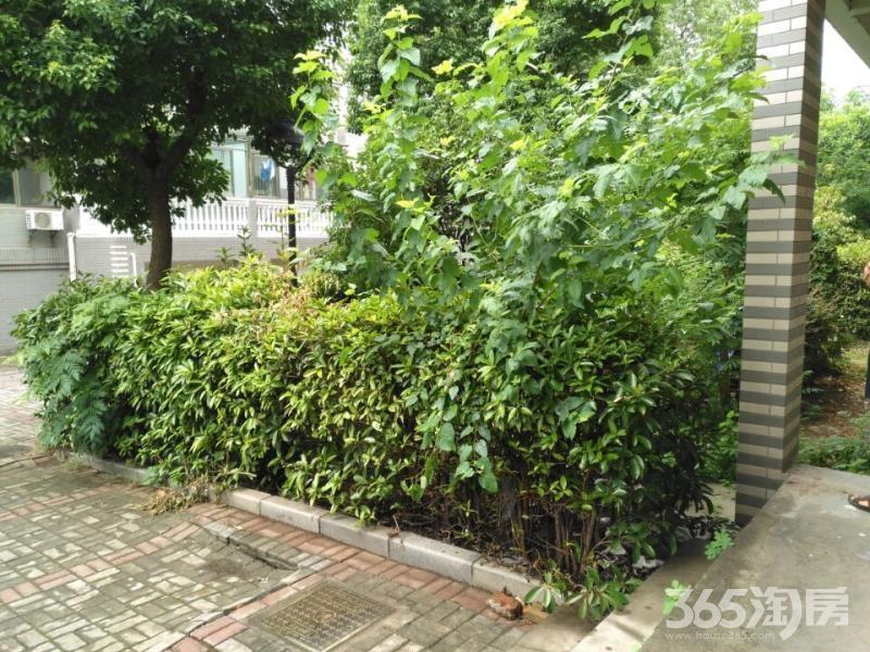 都寶花園復式樓 ,豪華裝修 1/2 有汽車庫30平米