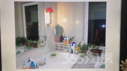 朗诗国际街区1室2厅1卫66平米整租豪华装