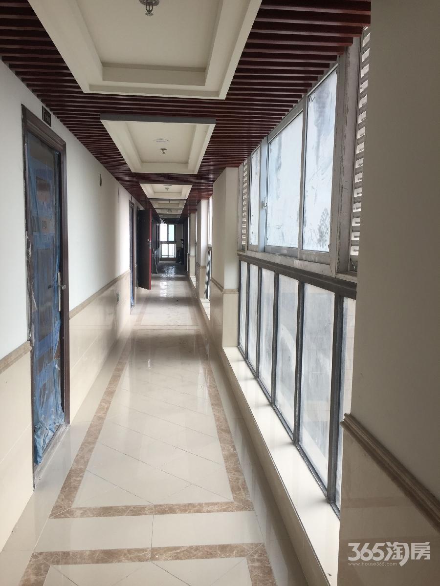 瑞景国际2室2厅2卫65平方挑高产权房毛坯