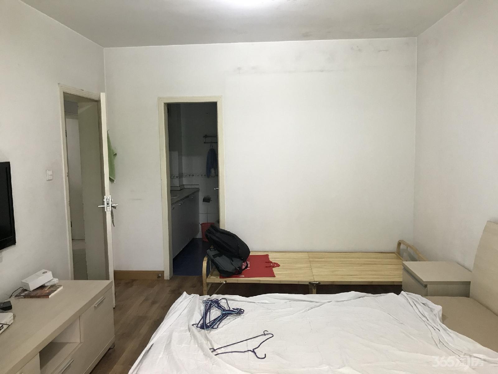 东城水岸3室2厅2卫123平米整租精装