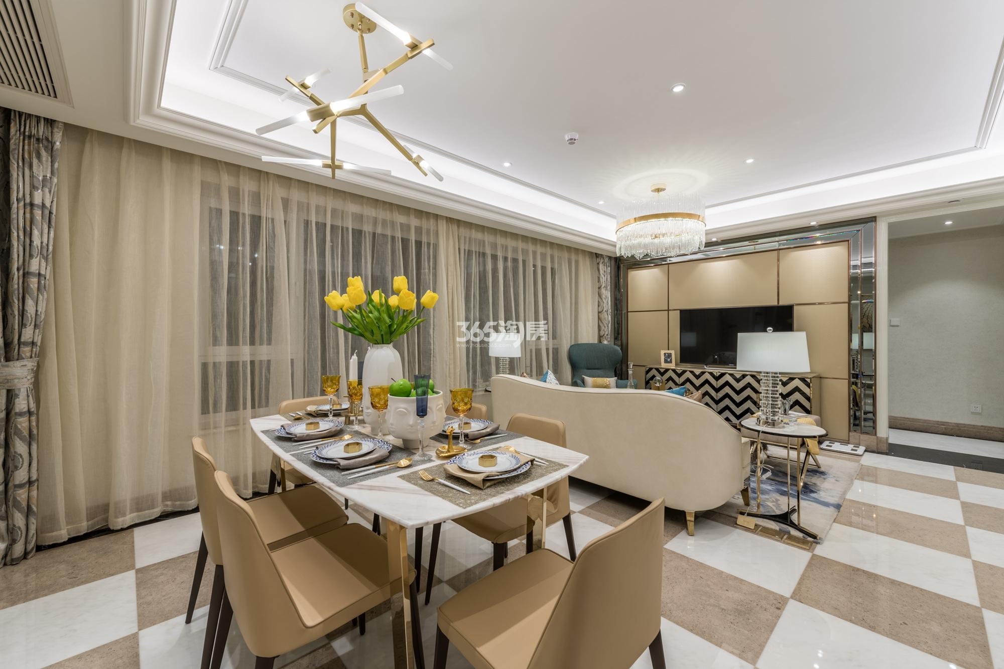 滨江保利翡翠海岸131方(A1户型)海派风样板房---餐客厅