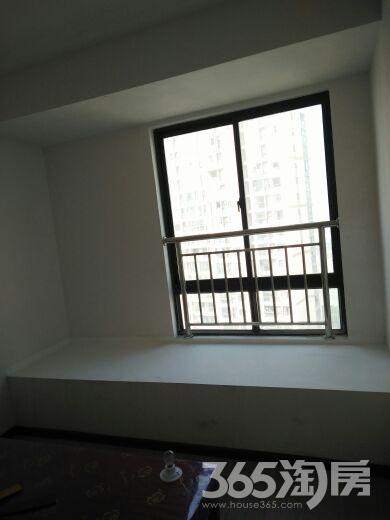 聚湖雅苑3室2厅2卫131平米合租简装