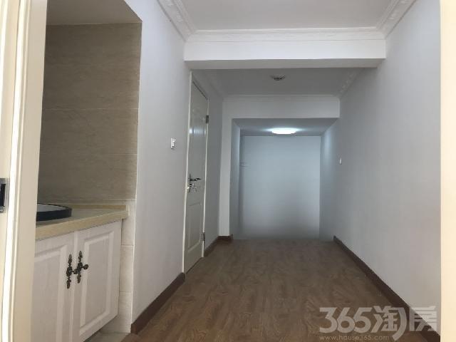 澳东印象城2室0厅1卫75�O整租精装
