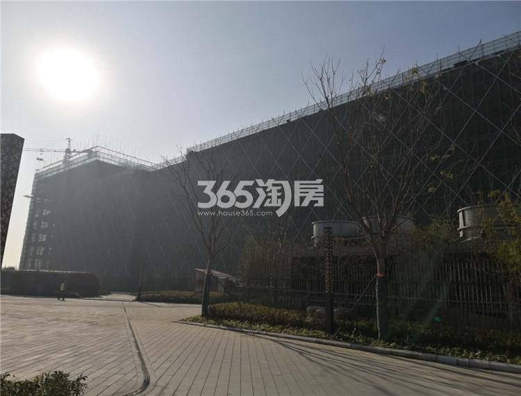 东方万汇城综合体在建实景图(1.18)