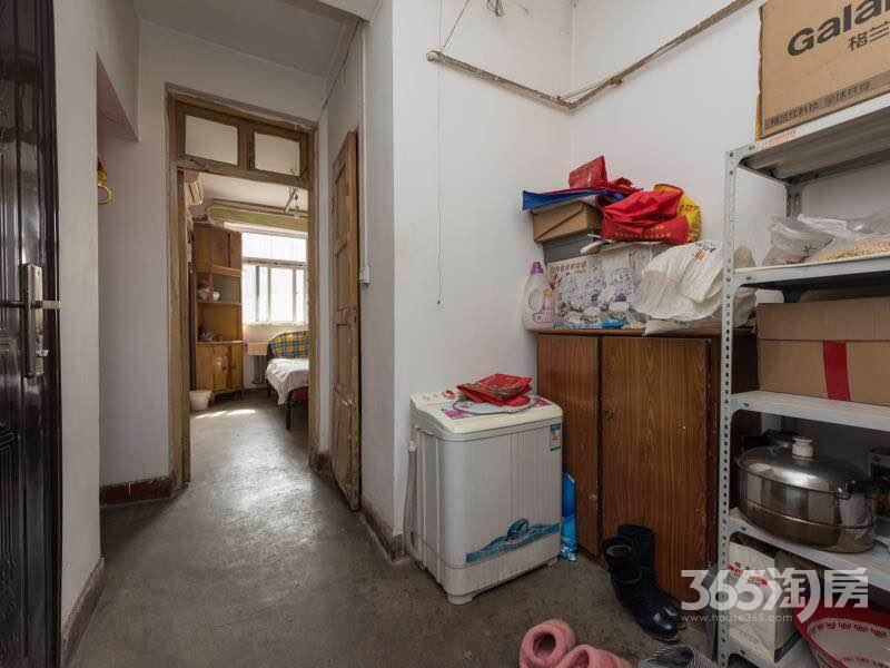一印社区2室1厅1卫50㎡1985年产权房简装