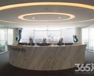 河西地标写字楼新地中心 开放式办公房 适合几个人办公 价