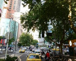 新街口 石鼓路与丰富路黄金十字路口 拐角双门头 营业中沿街旺铺