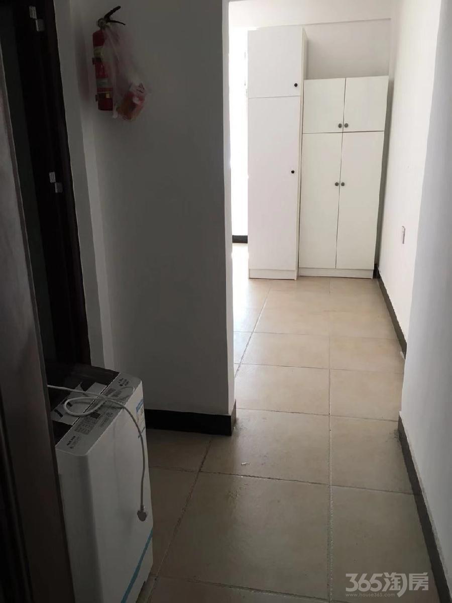 杭州富阳城区三根桥1室0厅1卫40平米合租精装