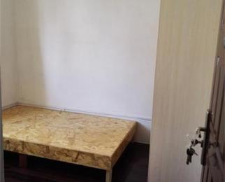 大通路公交公司宿舍3室1厅1卫88�O合租不限男女精装
