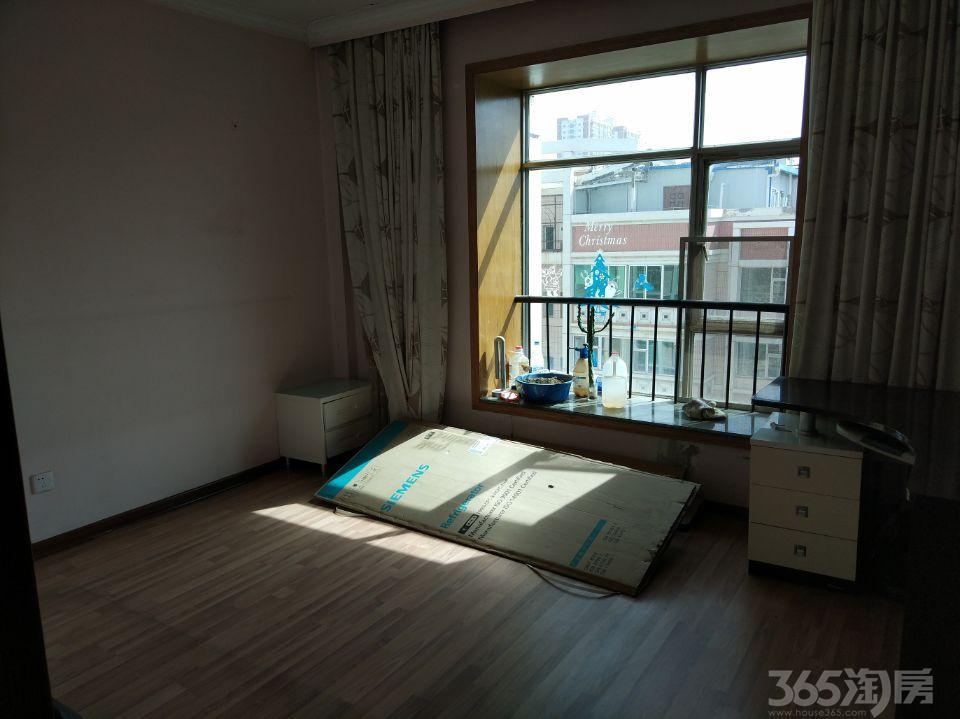 新港城2室2厅1卫75�O2001年满两年产权房中装
