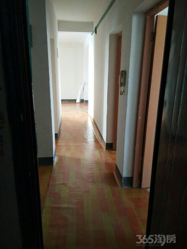 春江花园3室1厅1卫115平米整租毛坯